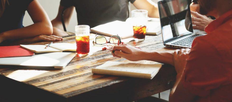 people-coffee-tea-meeting-1